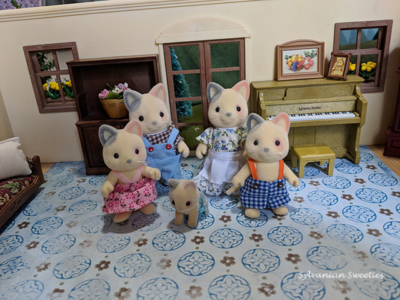 Calico Critters Whiskers Cat Family