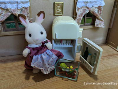 JP Chocolate Rabbit Mother with Refrigerator Set