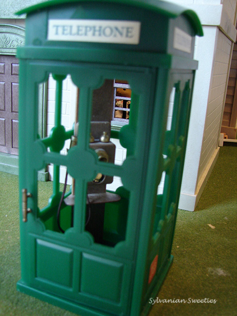 UK Green Telephone Booth