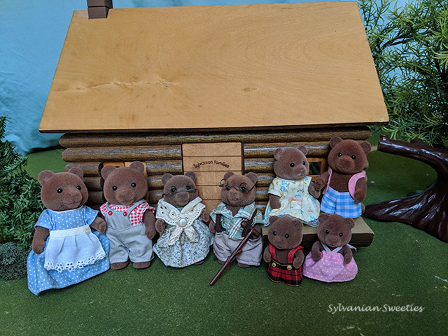 US Tomy Timbertop Bear Family. I need to add the babies to the photo!